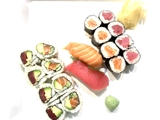 Tuna & Salmon Sushi Pack (18PCS)