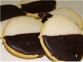 A&V Black & White Cookies LG