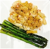 Lobster Mac&Cheese with Grilled Asparagus