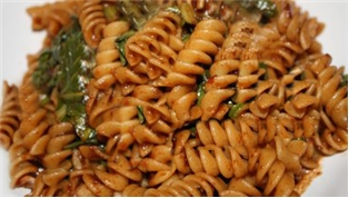 Pasta with Sundried Tomato Pesto & Arugula